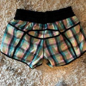 Lululemonm lunes Running Shorts